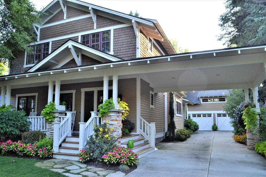 beautiful-home-with-a-carport-landscaping-home-loan-nominated-realestate-realty-broker-forsale_t20_noO3g4