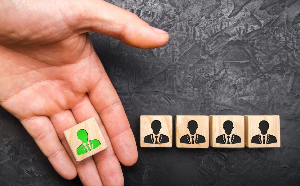 hr-recruitment-head-leader-headhunter-specialists-headhunting-concept-employment-human-group-business_t20_rR0xKb