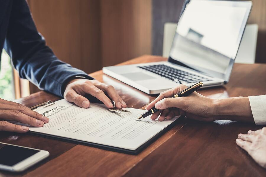 sales-manager-filing-keys-to-customer-after-signing-rental-lease-contract-of-sale-purchase-agreement_t20_98rngB