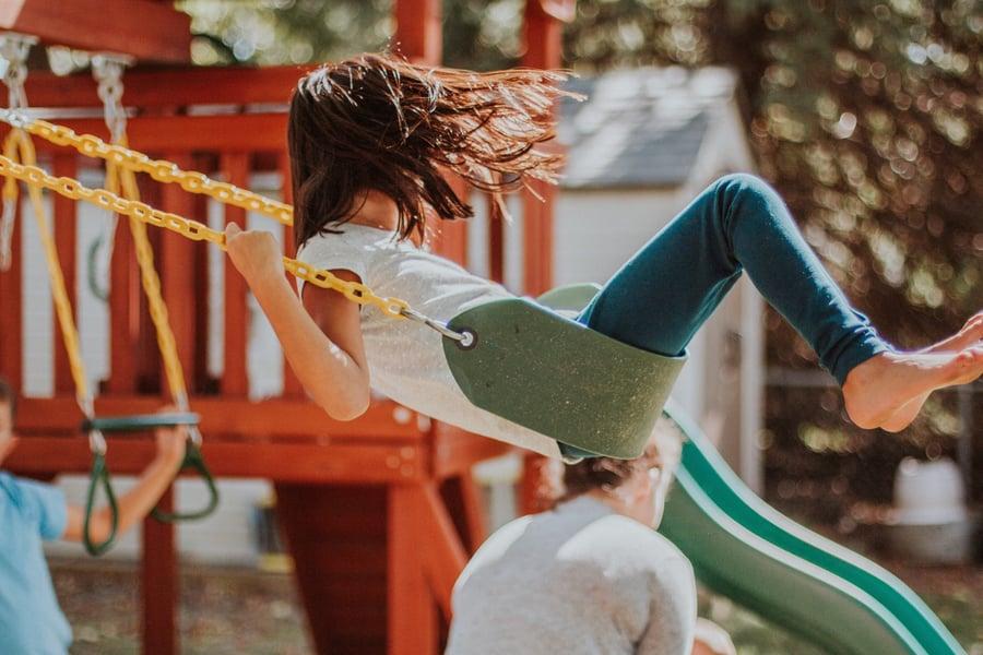 swinging-kid_t20_Gg1GPR